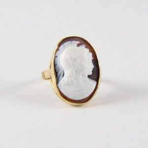 Jewelry - 14K Gold VINTAGE Warrior Cameo Ring 6.75